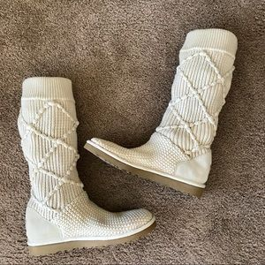 UGG cream knit boot size 10
